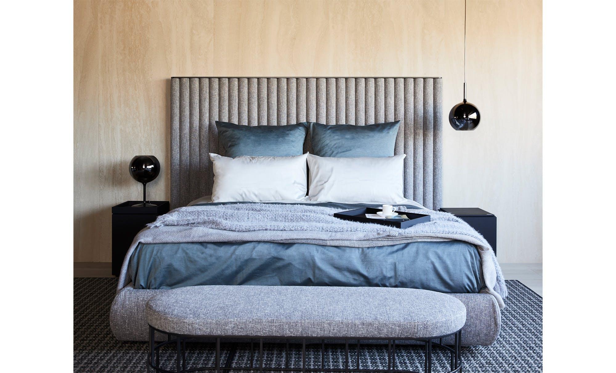 Biarritz bed by Flexform Mood - Fanuli Furniture